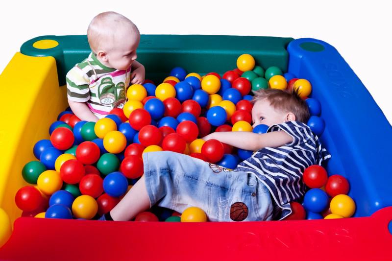 Бассейн с шариками для детей своими руками